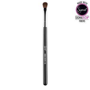 SIGMA BEAUTY MEDIUM SWEEPER BRUSH CHROME FERRULE E54
