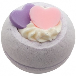BOMB COSMETICS BATH BLASTER TWO HEARTS